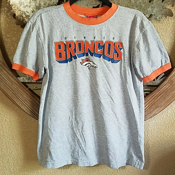 pretty nice d828b 3168a NFL Denver Broncos t-shirt youth boy girl large